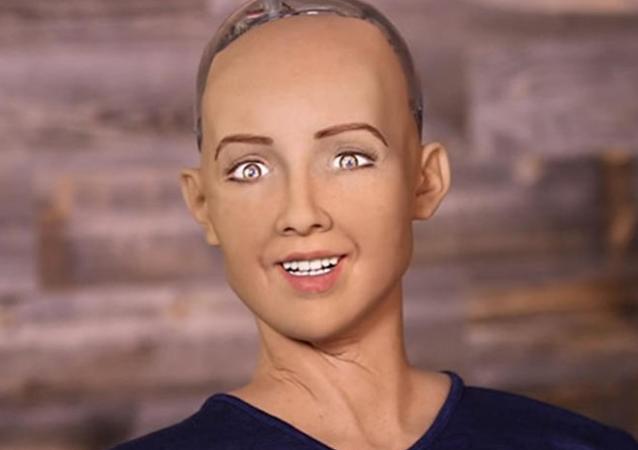 一个女性机器人威胁要毁灭人类