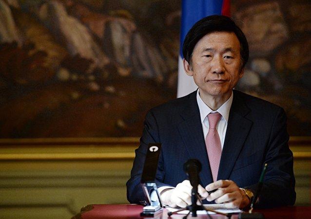 韩伊外长17日将讨论世界局势和两国合作问题