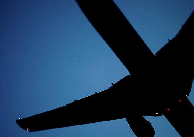 新西伯利亚飞往常州的波音747因起落架故障迫降
