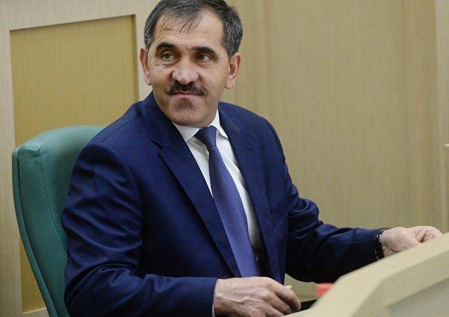 尤努斯-贝克•叶夫库罗夫