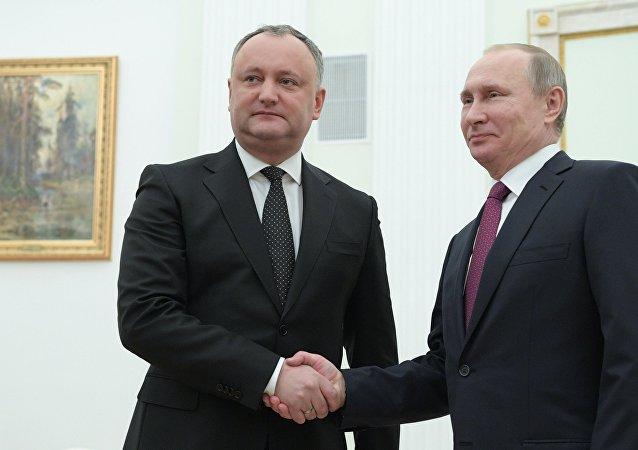 弗拉基米尔•普京与伊戈尔•多东