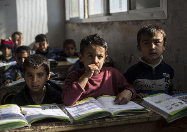 叙利亚阿勒颇体育学校重新开课接收约千名学生