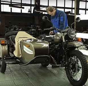 原来乌拉尔摩托车在英美竟如此畅销!