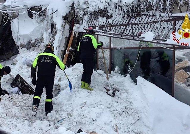 媒体:意大利雪崩被埋酒店中找到6名生还者
