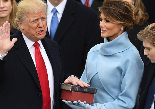 中国媒体低调报道特朗普就职典礼