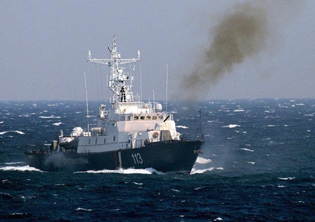 俄边境巡逻舰