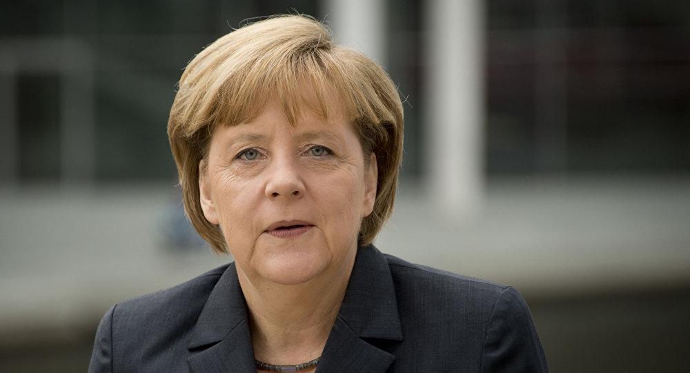 媒体:德国总理默克尔承认世界正在步入新历史时代