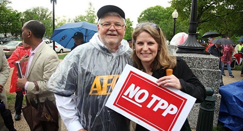 俄议员:特朗普命运将取决于美国退出TPP决定效果