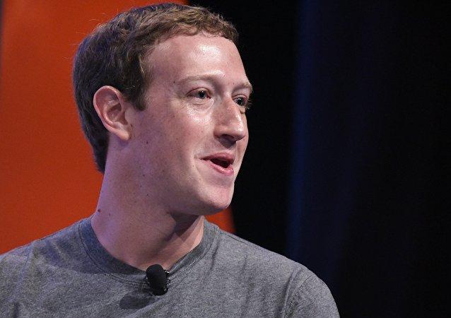 Facebook 创始人扎克伯格