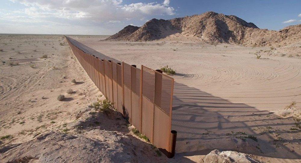 特朗普:若墨西哥不愿为隔离墙出资 墨西哥总统访美行程最好取消