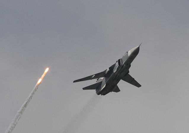 苏-24M前线轰炸机