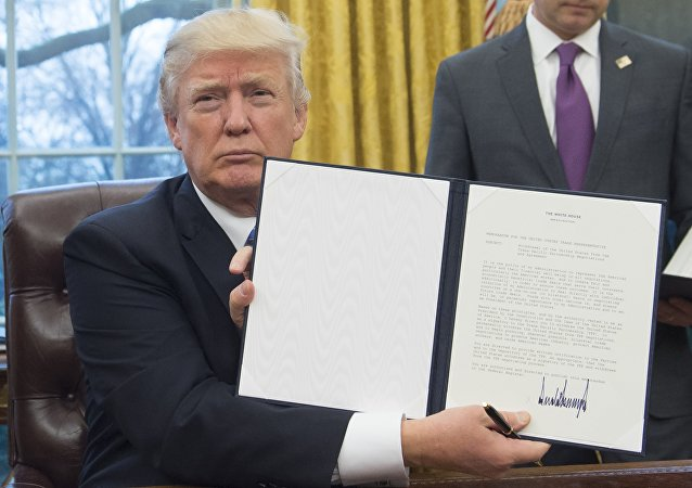 Donald Trump withdrawed the US from the Trans-Pacific Partnership