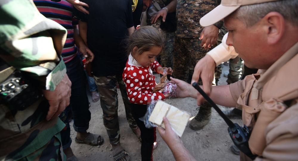 俄方一昼夜向叙平民转交近5吨人道物资