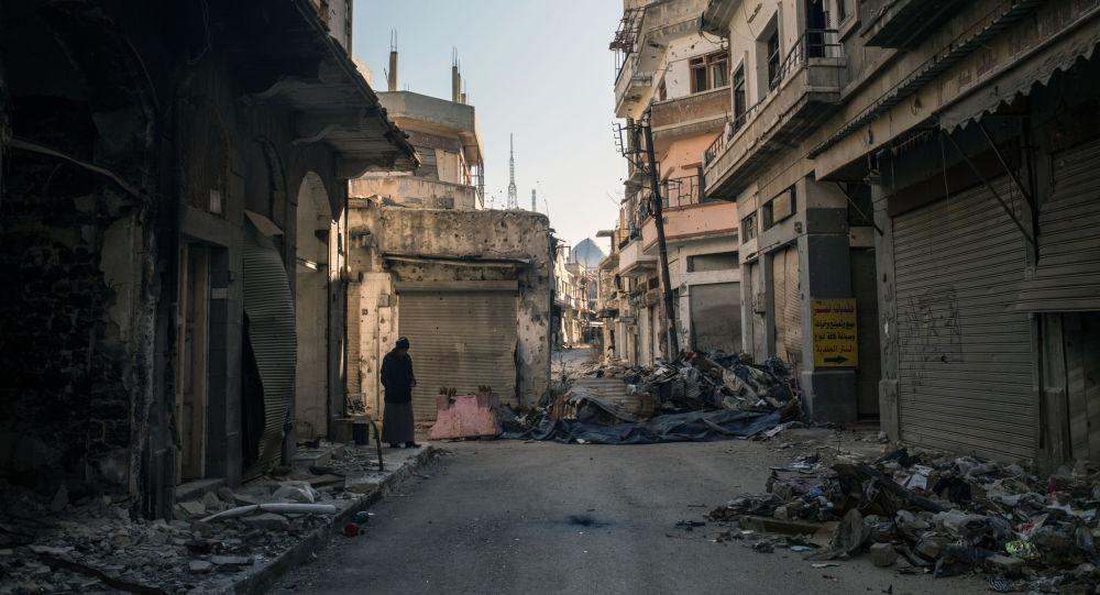 俄軍向敘霍姆斯運送人道主義救援物資