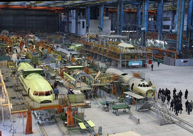 副总统德米特里·罗戈津:俄罗斯准备接收乌克兰航空设计师