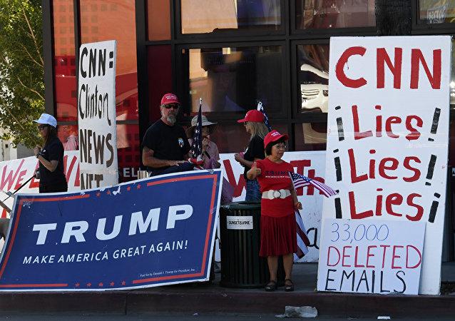 特朗普呼吁抵制不参加白宫圣诞晚会的CNN