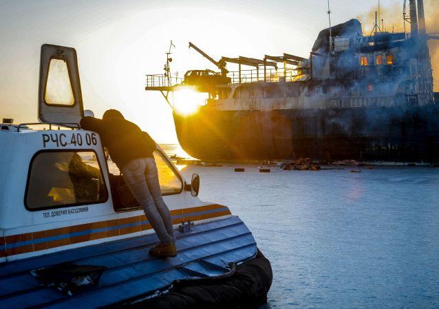 俄一艘载有30名渔民的船只在日本海起火 资料图