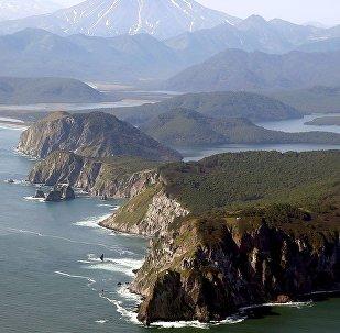 日本举行飞往南千岛群岛首次航班通航仪式