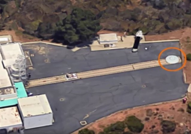 网民们在NASA总部旁看到了UFO