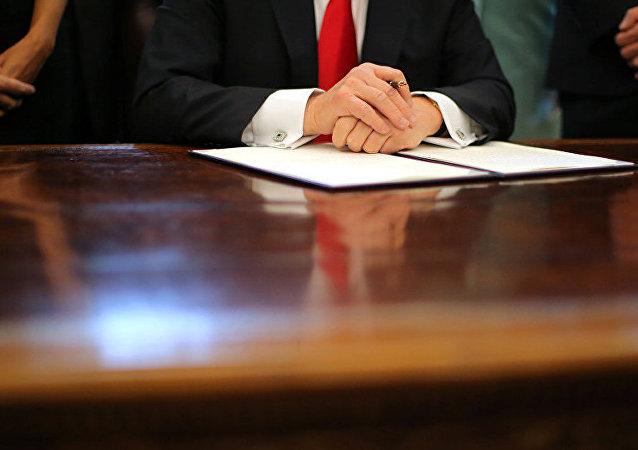 特朗普签署总统令规定重新安置难民须得到地方政府同意