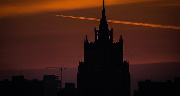 俄外交部:莫斯科因美国通过对伊朗新制裁而感到遗憾