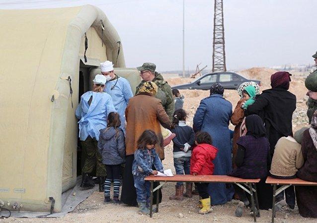 俄驻叙冲突各方调解中心:俄军向叙平民转交9吨人道援助物资