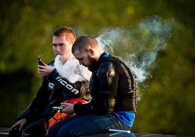专家称电子烟增加罹患致死重病的风险