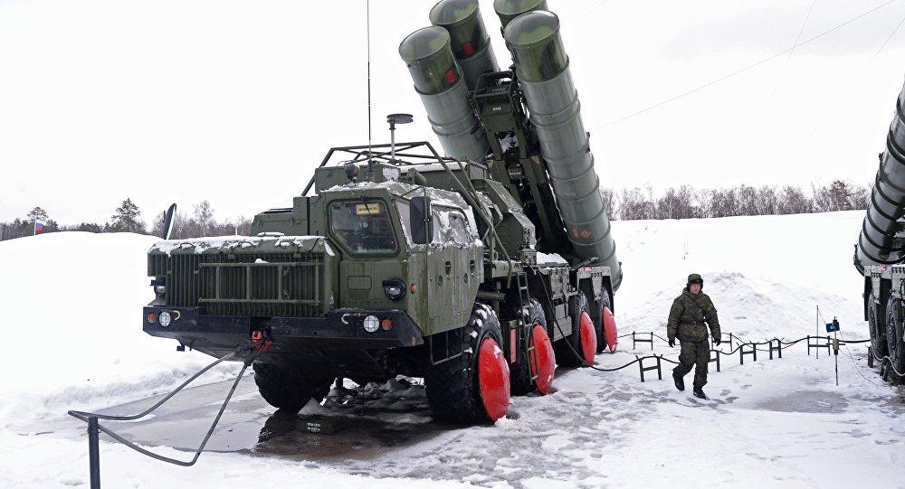俄将谈判向印度提供S-400防空导弹系统的问题