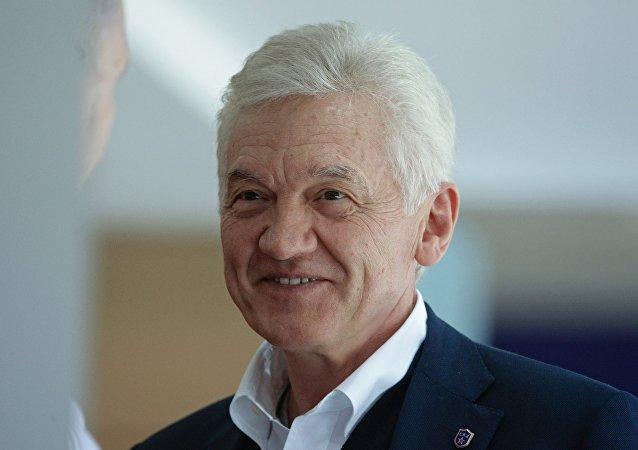 大陆冰球联盟董事长透露自己是昆仑鸿星的共同所有人
