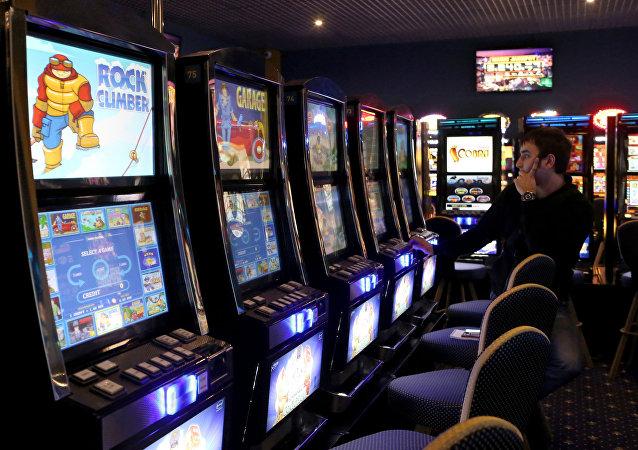 《连线》杂志:俄罗斯老千找到了在美国赌场出千的办法