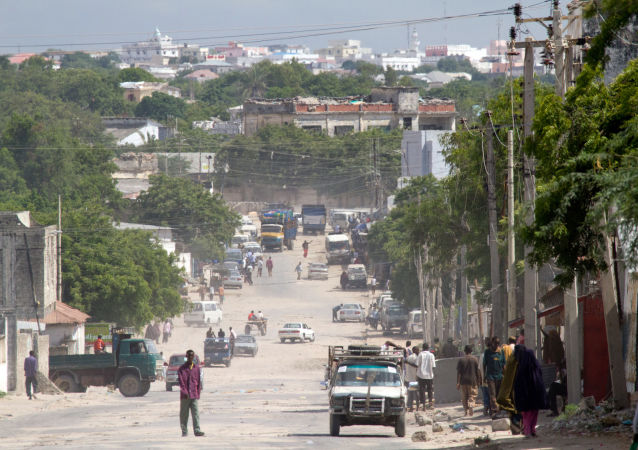 汽车炸弹在摩加迪沙机场旁爆炸,有人员伤亡