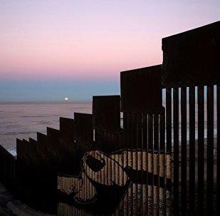 西班牙专家:美墨边境隔离墙是美国毒品政策失败的证明