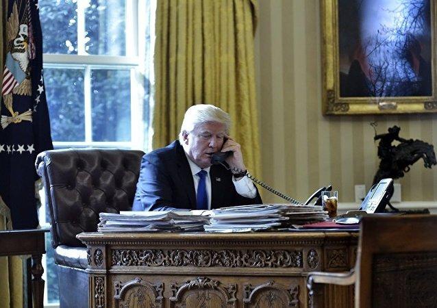 特朗普与阿巴斯通电讨论中东和平进程