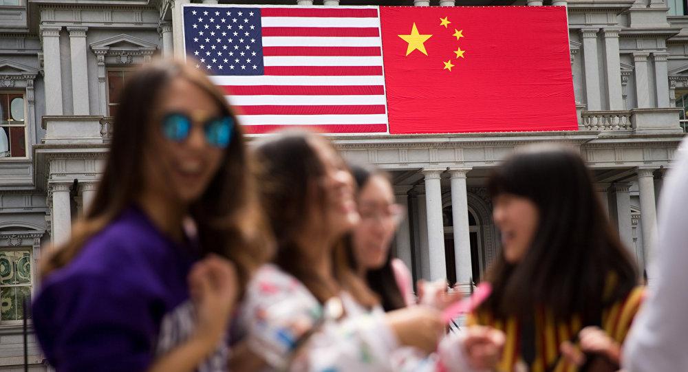 中国商务部部长: 贸易战不符合中美两国根本利益