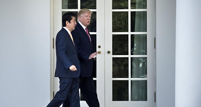 日本首相安倍晋三与美国总统唐纳德·特朗普