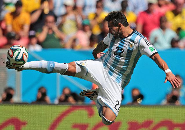 阿根廷足球运动员在华年薪超2000万美元 却一球未进
