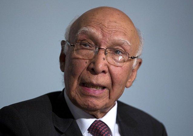 巴基斯坦总理外事顾问阿齐兹