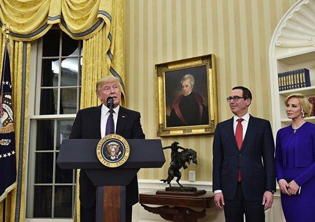 Сенат США утвердил Стивена Мнучина на пост министра финансов
