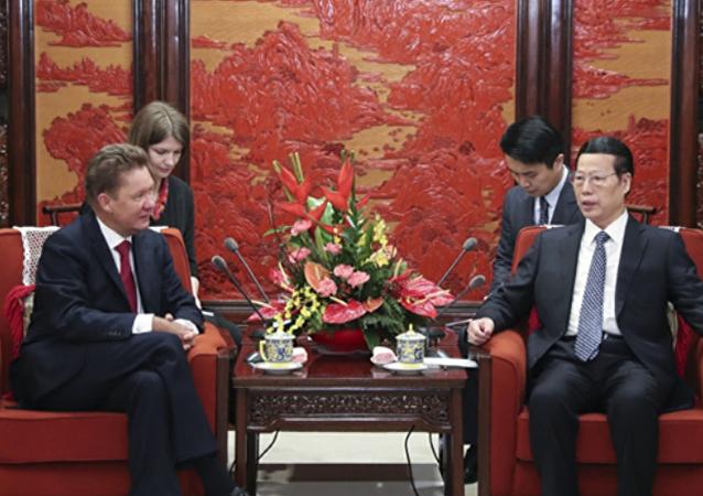 """中国国务院副总理张高丽和""""俄气""""总裁会面"""