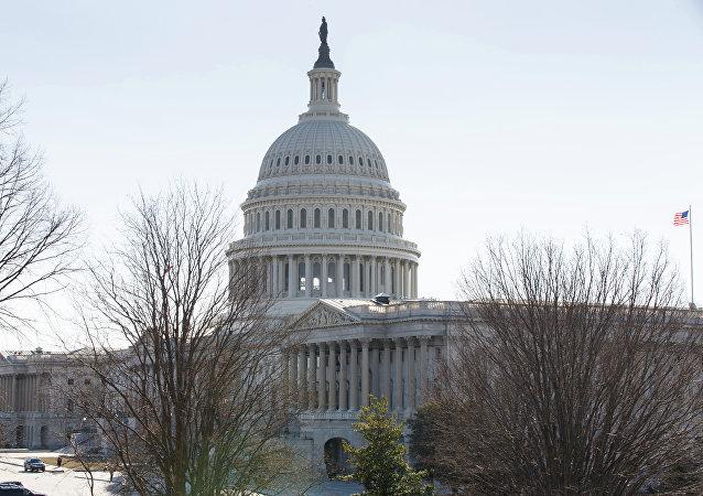 美国众议院投票取消特朗普有关实施紧急状态的命令