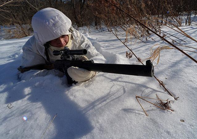 俄东部军区为国际军事比赛选拔狙击手