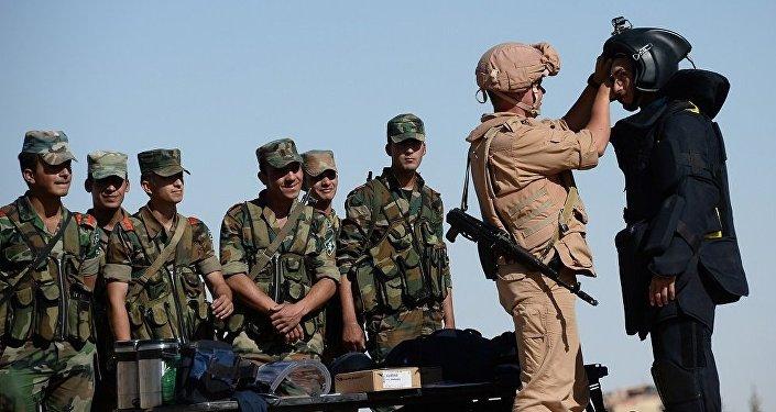 俄防长:俄方在叙利亚培训出首批排雷小组