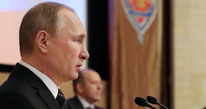 普京:北约扩张旨在制约俄罗斯