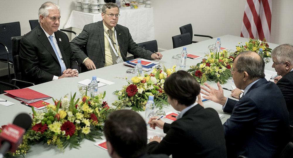 媒体:雷克斯·蒂勒森认为与拉夫罗夫的会面富有成效