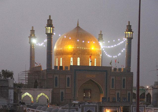 媒体:巴基斯坦塞赫万地区清真寺爆炸遇难人数上升至70人