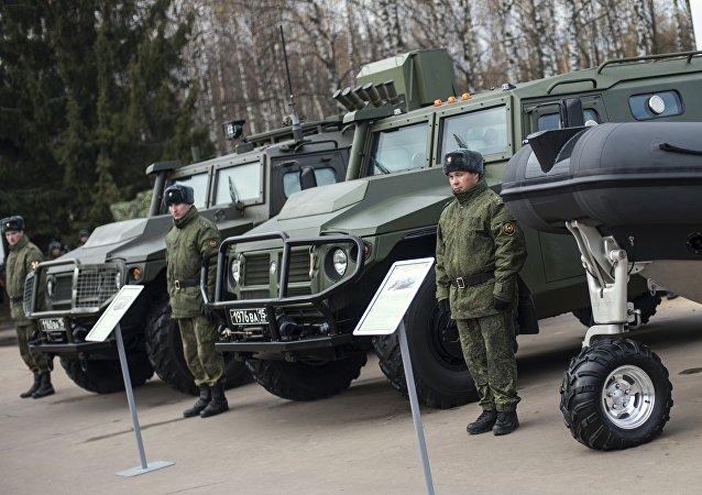 虎式多用途多功能四驱轻型装甲车