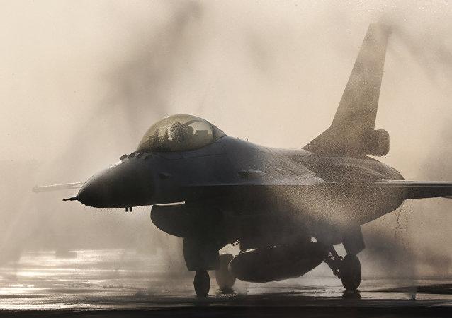 F-16鹰式战斗机/资料图片/