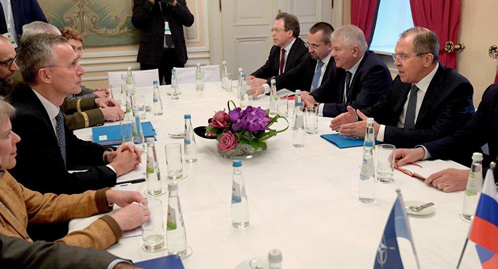 北约秘书长:打算在联大期间会见拉夫罗夫