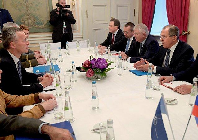 俄外长与北约秘书长探讨俄罗斯与北约关系的前景