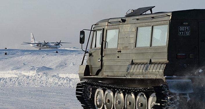 俄罗斯军队开始在北极试验新型设备
